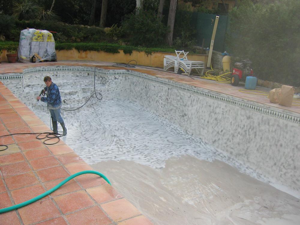 Sablage art mosaique for Portable dans piscine